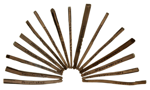 E402-1 Tray1 (1 of 5) Sixteen tally sticks 13th century