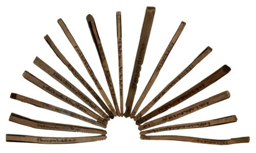 E402-1 Tray1 (1 of 5) Sixteen tally sticks 13th century